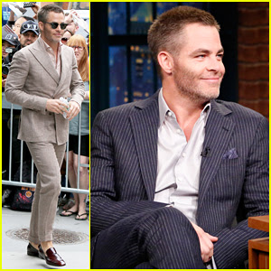 Chris Pine Reveals He Still Uses A Flip Phone: 'I Don't Want To Be Connected'