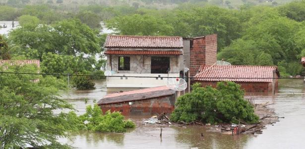 Prefeitura de Riachão do Jacuípe (BA) decretou estado de emergência, com quase 5.000 desabrigados