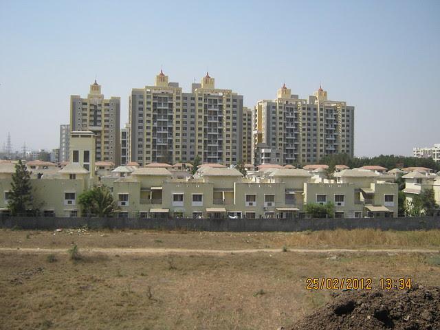 Vacant Plot, Sunshine Villas & Park Royale - Visit Gobind Shree Ganesh Graceland & Mantri Mystica, near Hotel Shivar Garden, Rahatani, Aundh Annex,  Pune 411017