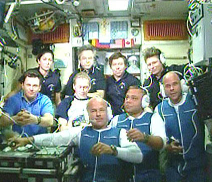 The Expedition 21 and 22 crew members