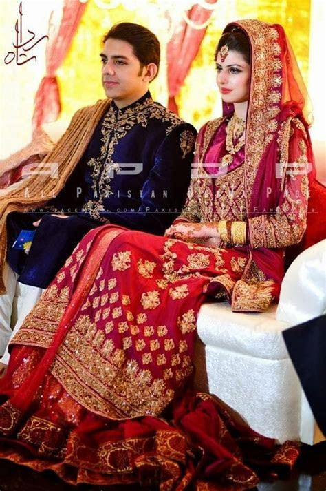 Gohar Mumtaz & Anam Ahmed Wedding Pictures.   Reviewit.pk