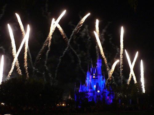 Disney_fireworks2[1]