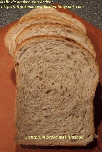 Brood met llijnzaad