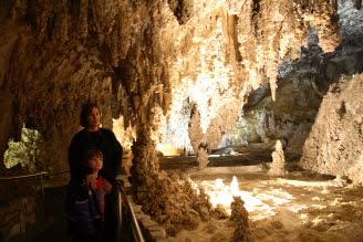 Carlsbad caverns formations