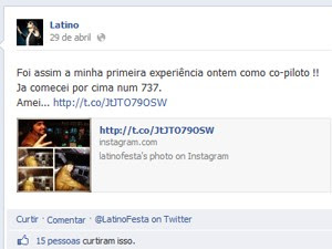 Latino fotos em cabine de vooLatino fotos em voo (Foto: Reprodução)