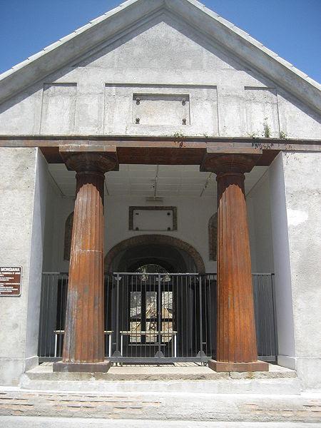 Archivo: Mongiana.jpg Armería