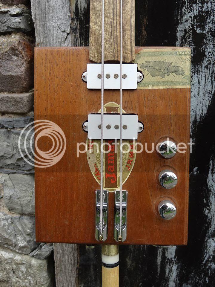photo Shonky 2-string cigar box bass - 07_zpsngvbelca.jpg