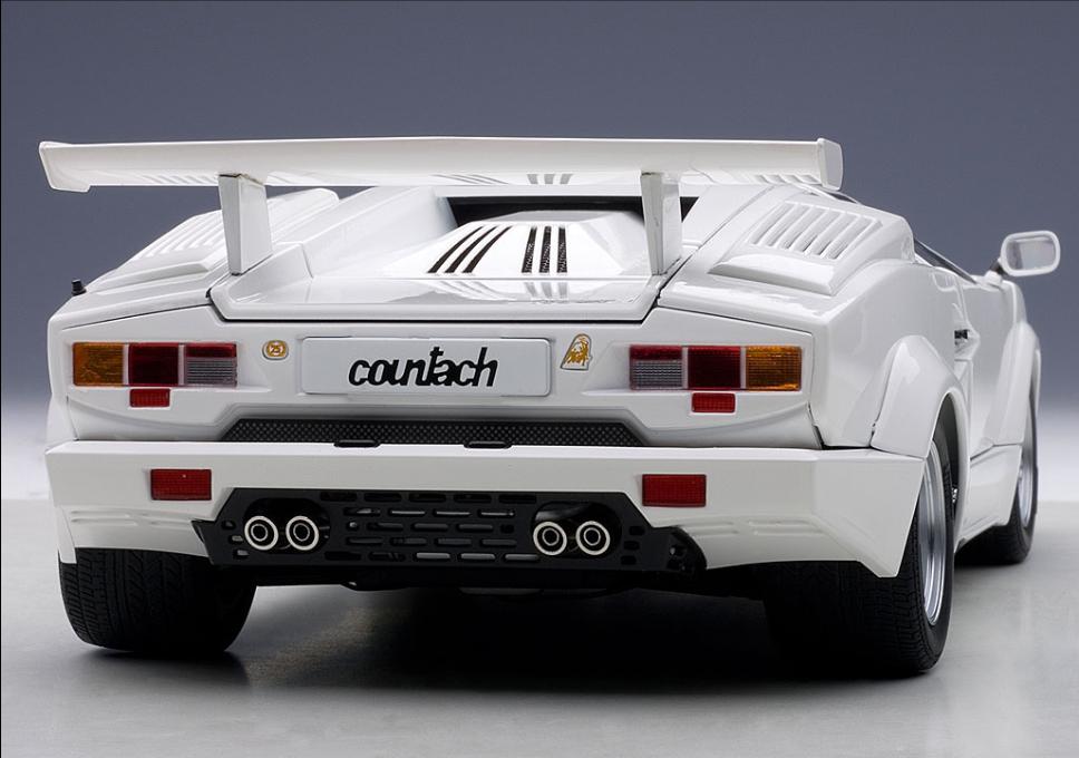 Autoart 118 Lamborghini Countach 25th Anniversary Edition White 74537