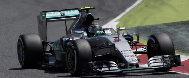 Nico Rosberg leads the chasing pack
