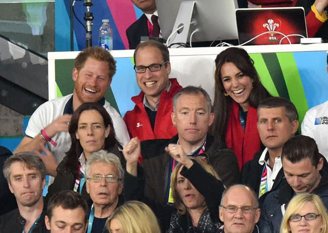 Książę William, Harry i Catherine na meczu rugby.