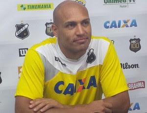 Edno - atacante do ABC (Foto: Divulgação/ABC)