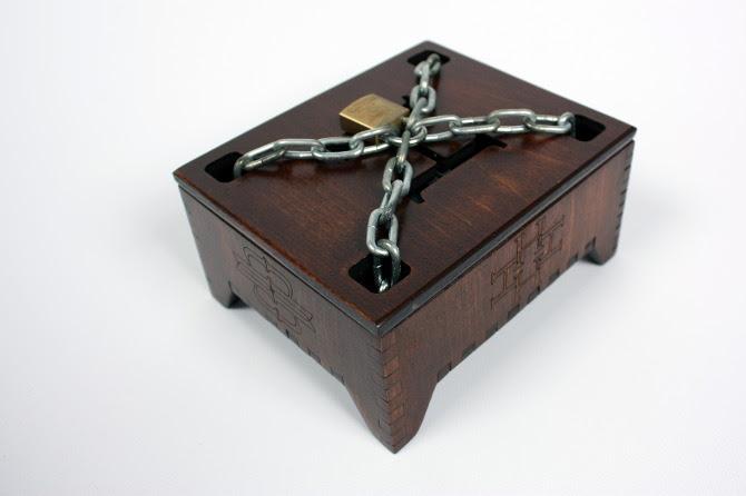 Houdini Tuck Case