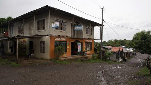 The tiny town of El Tule in Nicaragua.