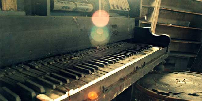 piano viejo