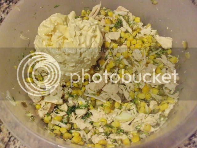Salata de pui si porumb preparare reteta