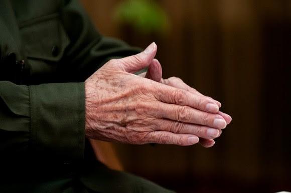 Las manos de Fidel. Foto: Roberto Chile