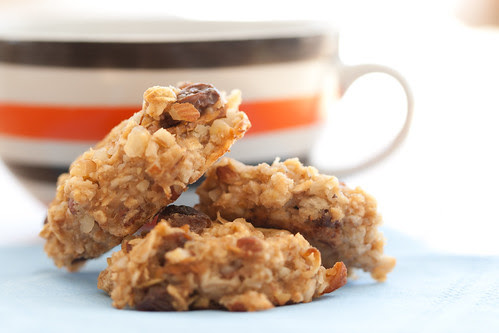 Apple oat almond morsels / Õuna-kaerahelbekäkid