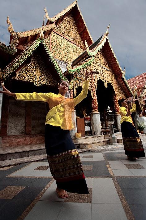 Храмовые танцовщицы Таиланда. Фото