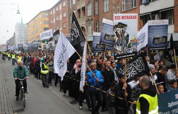 Υποστηρικτές του Ισλαμικού Κράτους διαδηλώνουν στην… Δανία (φωτο)