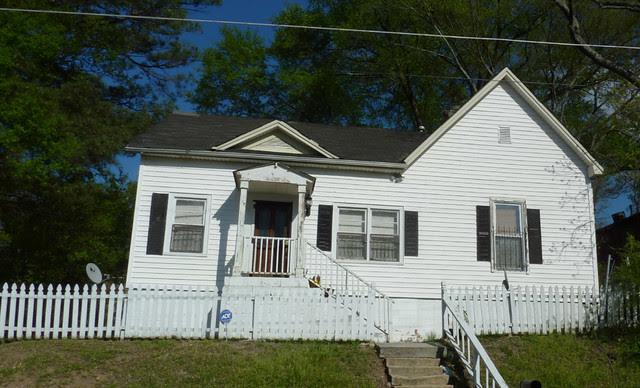 P1060172-2012-03-25-English-Avenue-Historic-Westside-Phoenix-Flies-Lindsay-Vernacular