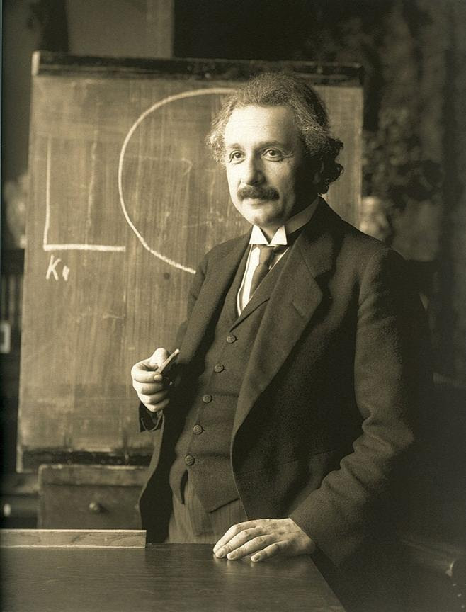 https://upload.wikimedia.org/wikipedia/commons/thumb/3/3e/Einstein_1921_by_F_Schmutzer_-_restoration.jpg/780px-Einstein_1921_by_F_Schmutzer_-_restoration.jpg