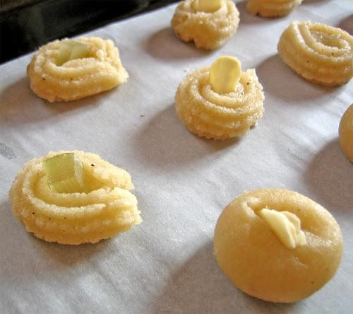 biscotti di pasta di mandorle by fugzu