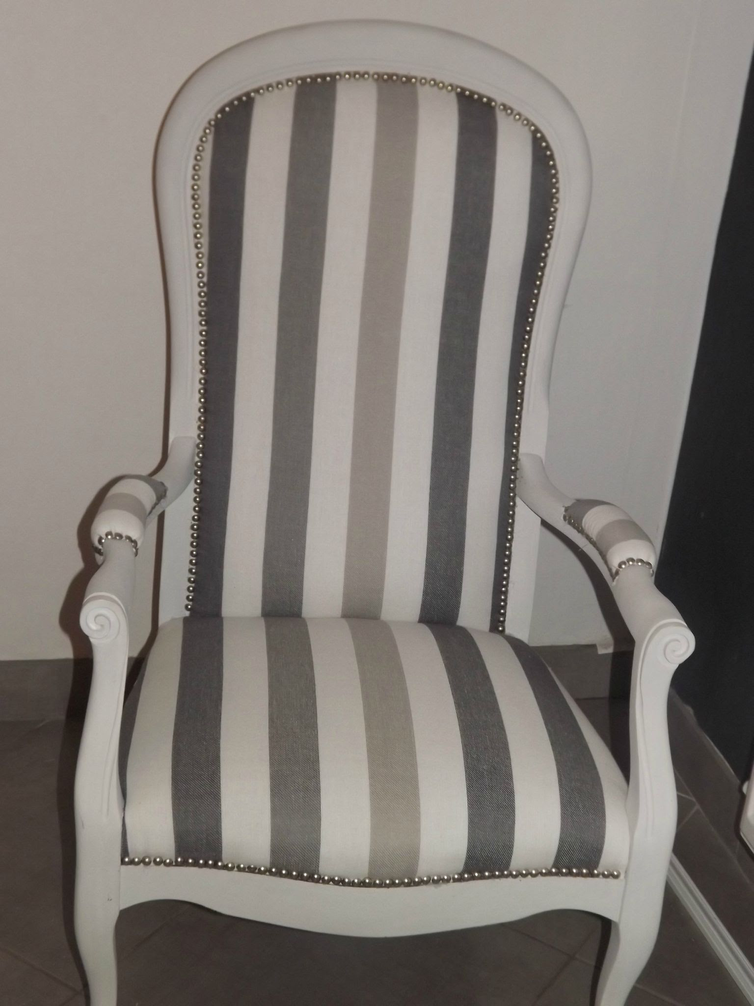 Comment Refaire Un Fauteuil Tapissier table et chaises de terrasse: restauration fauteuil voltaire