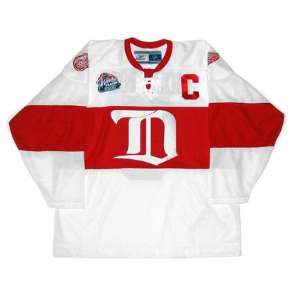 Detroit Red Wings 2008-09 Winter Classic jersey photo DetroitRedWings2008-09WClassicF.jpg