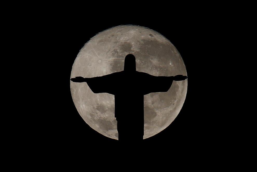 Полнолуние в Рио-де-Жанейро, Бразилия
