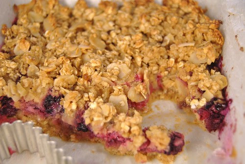 Apple Berry Toffee Crumble