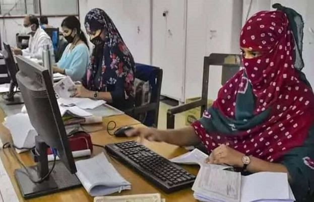 Coronavirus: 50% of staff in Punjab's public, private offices to work from home