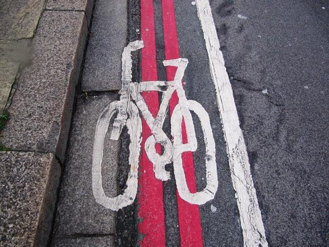Lambeth bridge cycle lane 2