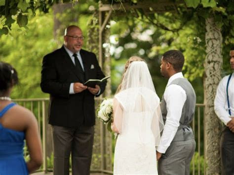 Wedding Officiant, Pastor, Minister in Saint Louis & St