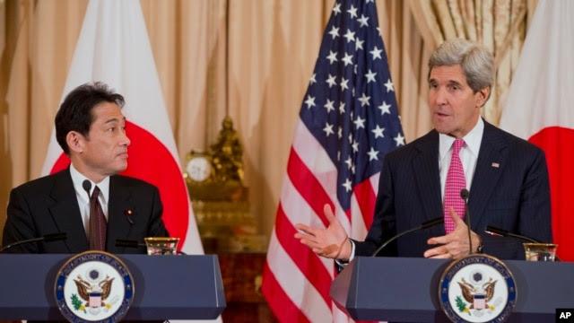Ngoại trưởng Mỹ John Kerry và Ngoại trưởng Nhật Bản Fumio Kishida sau một cuộc họp tại Bộ Ngoại giao ở Washington, ngày 7/2/2014.