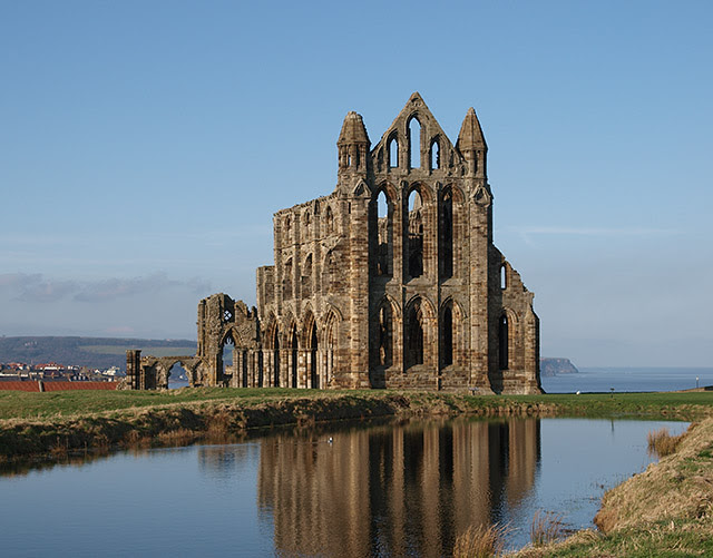 Whitby Abbey copyright by Wikipedia
