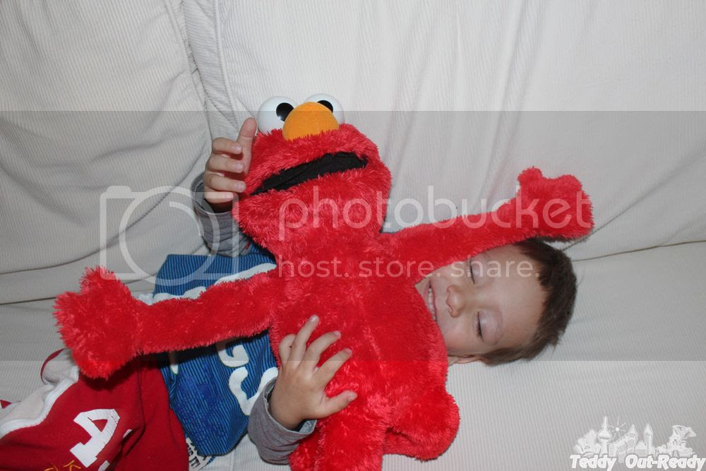 Big Hugs Elmo dance