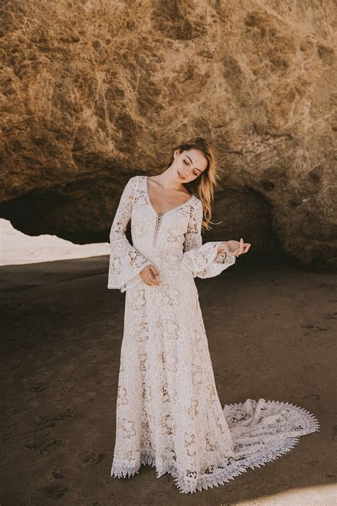 Juliet Lace Bohemian Wedding Dress   Dreamers and Lovers