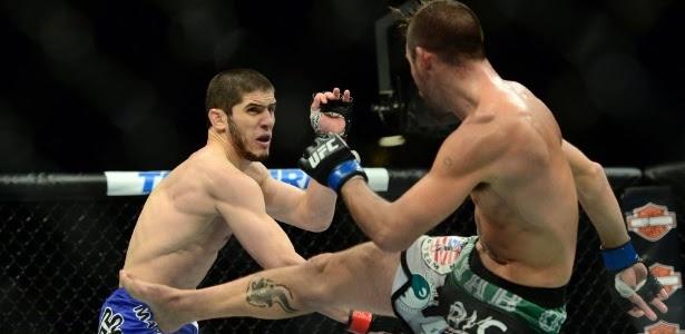 Islam Makhachev (à esquerda) lutaria contra Drew Dober