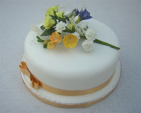 Simple One Tier Wedding Cake Designs / Wedding Cake Designs