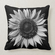 Monochrome Sunflower throwpillow