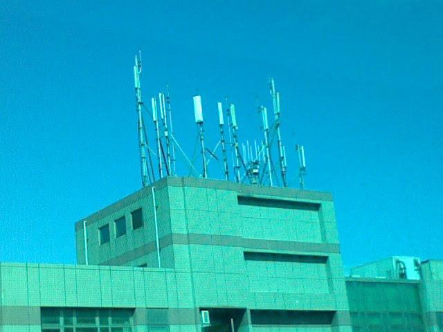 001-窗外的手機基地台-01