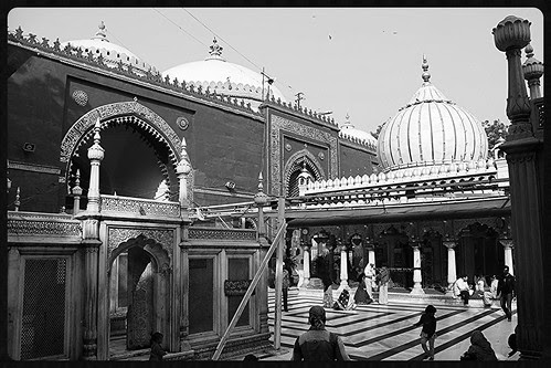 Dargah Nizamuddin Aulia Revisited by firoze shakir photographerno1