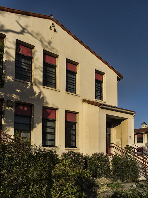 Downey High School R building