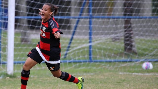 Jane marcou o primeiro gol do clássico