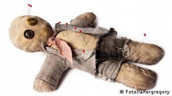 پژوهشگران برای اندازهگیری میزان پرخاشگری میان زوجها دست به دامن عروسکهای جادوی وودو شدند که در مناسک سنتی آفریقایی استفاده میشود.