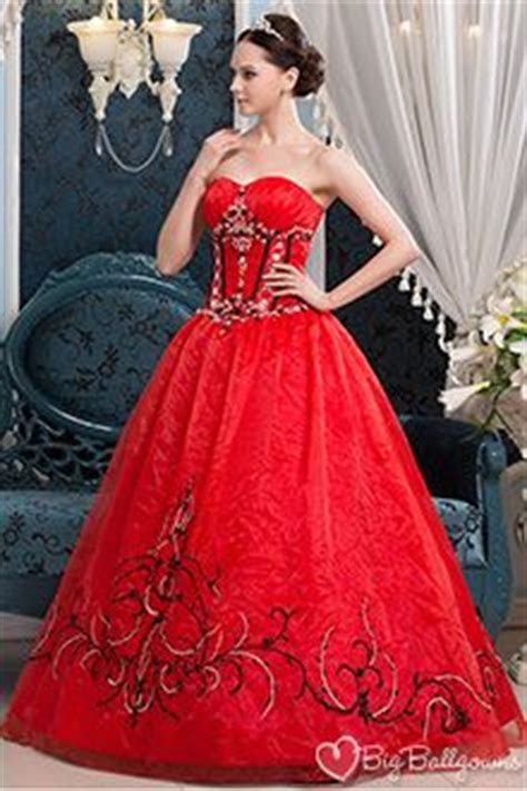 1000  images about Beautiful Gowns on Pinterest