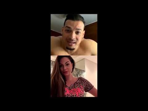Felipe Franco tira a roupa com seguidora em live e leva bronca da mãe