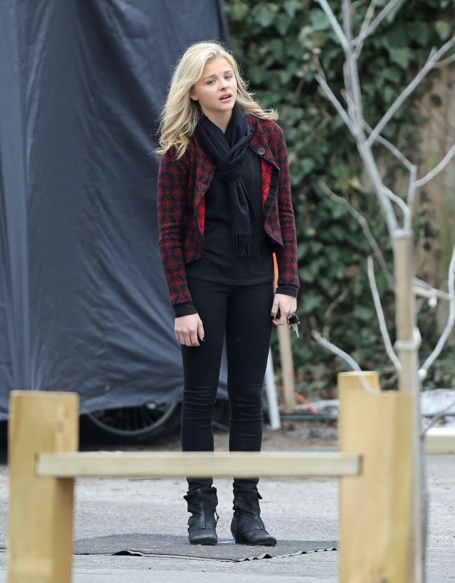 Chloe Moretz: Set of November Criminals -25
