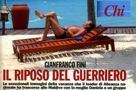 Gianfranco Fini difrutando de sus vacaciones en Las Maldívas.   Chi