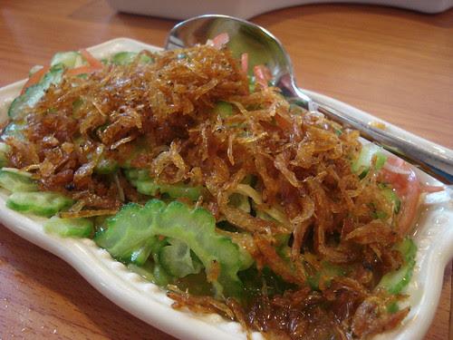 tres cuisine ampalaya ensalada